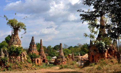 Zdjęcie MYANMAR / Taunggyi / Indein / Świątynie