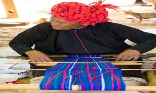 Zdjecie MYANMAR / Inle Lake / wioska / Tak powstaje tradycyjna torba na ramię