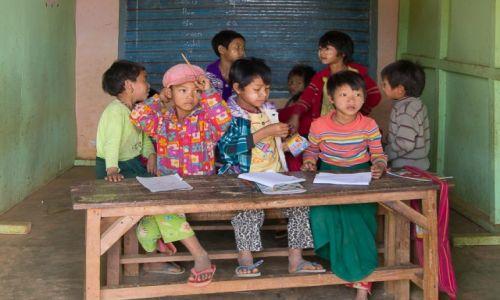 Zdjecie MYANMAR / na wsi / na wsi / W szkole