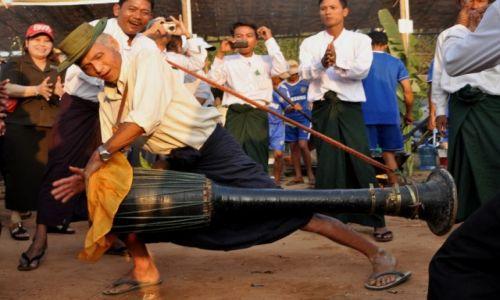 Zdjecie MYANMAR / Bogo / w drodze / Na festiwalu jedzenia:)