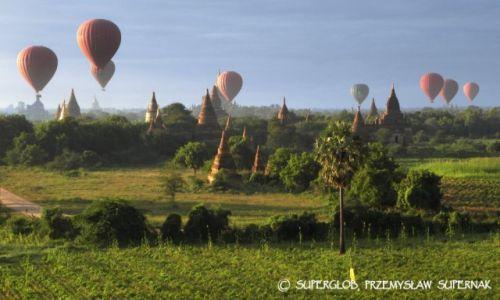 MYANMAR / Bagan / Bagan / Balony nad Baganem 1