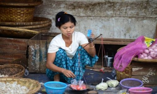 Zdjęcie MYANMAR / - / Birma / na targu
