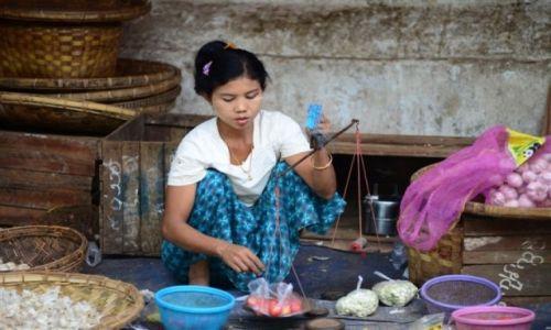 Zdjecie MYANMAR / - / Birma / na targu