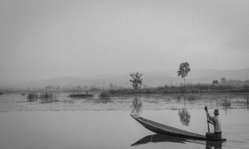 Zdjęcie MYANMAR / Inle / Inle Lake / Rybak z Inle