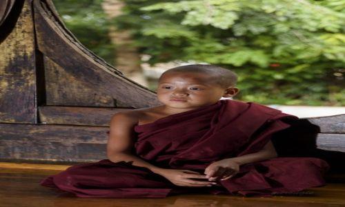 Zdjecie MYANMAR / Inle / Shwe Yan Pyay / Młody mnich w Shwe Yan Pyay