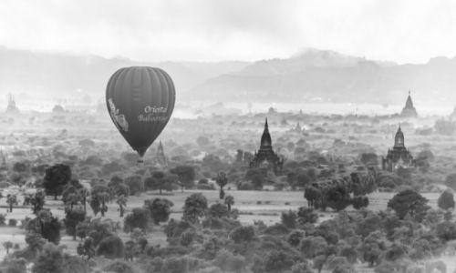 Zdjecie MYANMAR / Bagan / Bagan / Balonem nad Bagan