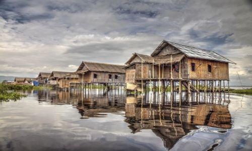 Zdjecie MYANMAR / Jezioro Inle / Wioska na wodzie / Domy na wodzie