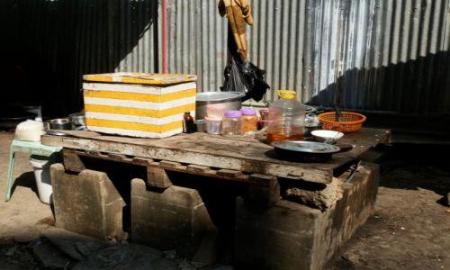 Zdjęcie MYANMAR / -Stolica / Stolica / Na chodniku