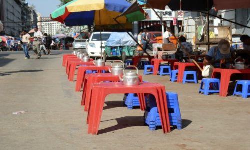 Zdjęcie MYANMAR / -Stolica / Stolica / W oczekiwaniu na gości