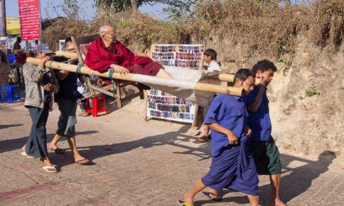 Zdjecie MYANMAR / Pod Golden Rock / jw / Środek transportu