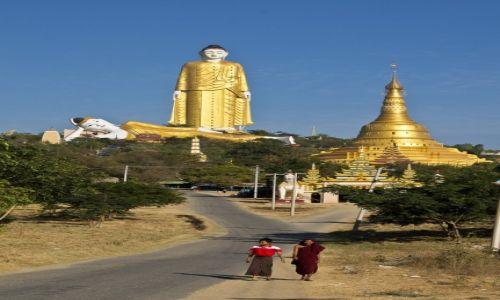 Zdjęcie MYANMAR / Monywa / Monywa / Z drogi