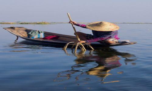 Zdjęcie MYANMAR / Inle Lake / Inle Lake / Rybak