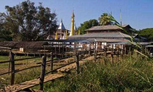 Zdjęcie MYANMAR / Inle Lake / Inle Lake / Droga na modlitwę