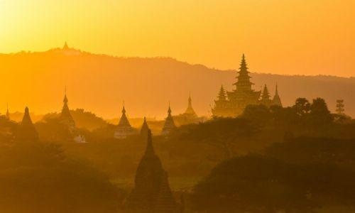 Zdjęcie MYANMAR / Bagan / Bagan / Bagan póżnym popołudniem