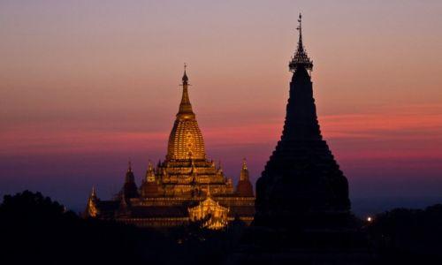 Zdjęcie MYANMAR / Bagan / Bagan / Zaczyna świtać