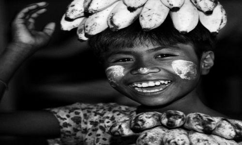 Zdjęcie MYANMAR / Pagan / Mt Popa / Radość