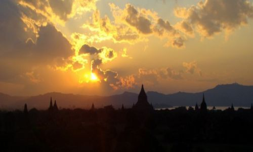Zdjęcie MYANMAR / Prowincja Mandalaj / Pagan / Pagan 2