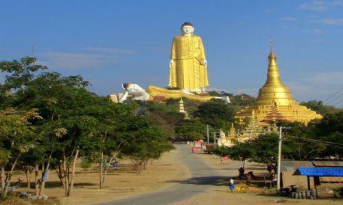 Zdjęcie MYANMAR / Sagaing / Monywa / Budda jest wielki ;)