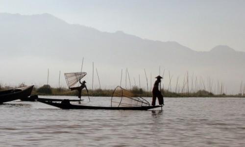 Zdjęcie MYANMAR / Jezioro Inle / - / Rybacy