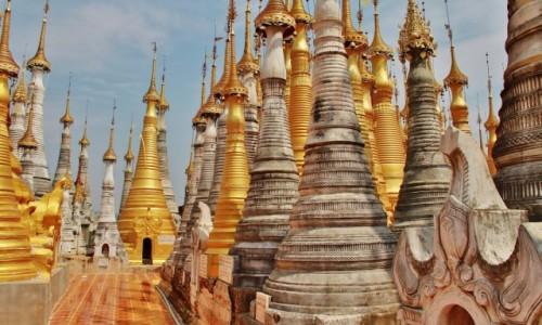 Zdjecie MYANMAR / Inle lake / Indein Village / Wśród pagód
