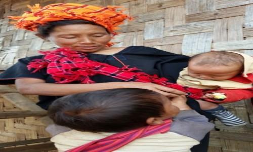 Zdjęcie MYANMAR / Płaskowyż Szan / wioska / Rodzinka