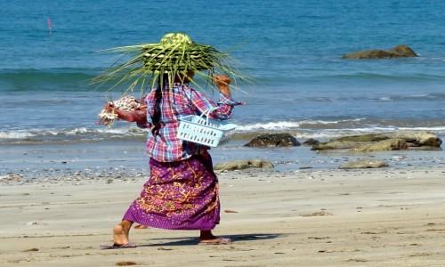 Zdjecie MYANMAR / Zatoka Bengalska / Ngwe Saung / Plażowy handel