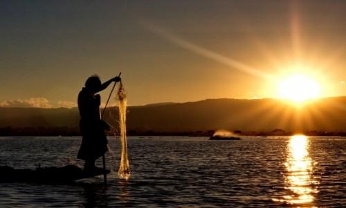 Zdjęcie MYANMAR / Inle Lake / Inle Lake / Inle Lake / zachód słońca