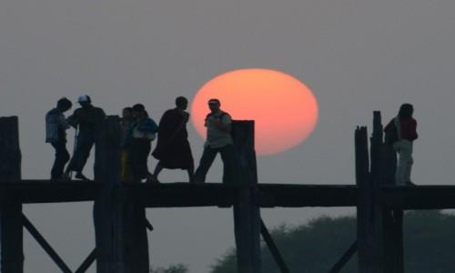 Zdjęcie MYANMAR / Mandalaj / Amarampura / Most u Bein w Amarampurze