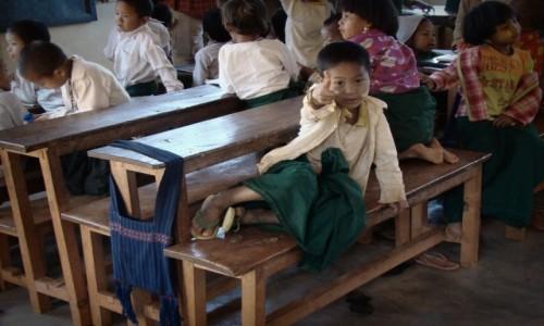 Zdjęcie MYANMAR / Shan State / okolice jeziora Inle / Edukacja po birmańsku