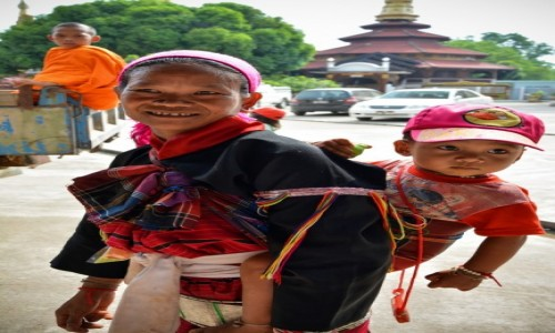 Zdjecie MYANMAR / - / Tachileik / W droze do pracy