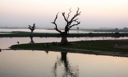 MYANMAR / okolice Mandalay / Amarapura / okolice mostu U Bein