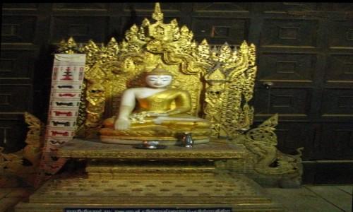 Zdjęcie MYANMAR / okolice Mandalay / Inwa (Ava) / Bagaya Kyaung - detal
