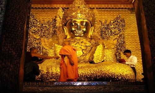 Zdjecie MYANMAR / Mandalay / Mandalay / posąg Buddy Mahamuniego