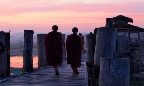 Zdjęcie MYANMAR / Amarapura / U Bein / Na moście