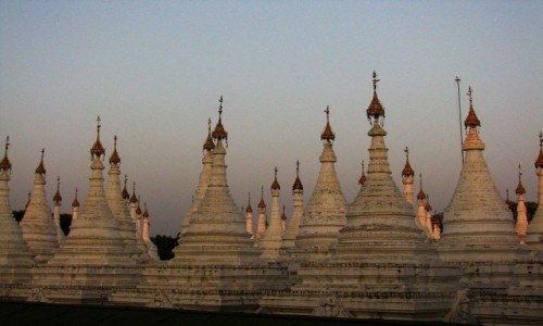 Zdjecie MYANMAR / Mandalay / Mandalay / Sandamuni Paya