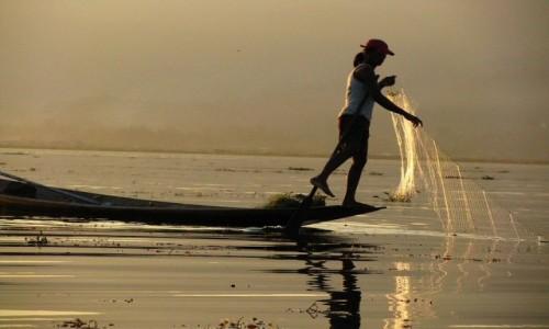 Zdjęcie MYANMAR / stan Shan / jezioro Inle / rybacy na jeziorze Inle