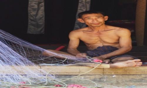 Zdjecie MYANMAR / zatoka bengalska / Sinma / Rybak