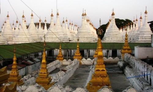 Zdjęcie MYANMAR / Mandalay / Mandalay / Sandamuni Paya