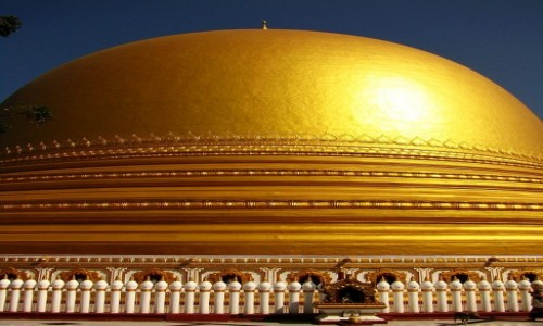 Zdjecie MYANMAR / okolice Mandalay / Sagaing / Kaunghmudaw Paya