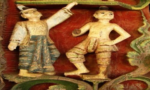 Zdjęcie MYANMAR / centralny Myanmar / Bagan / Shwezigon Paya - posągi Natów