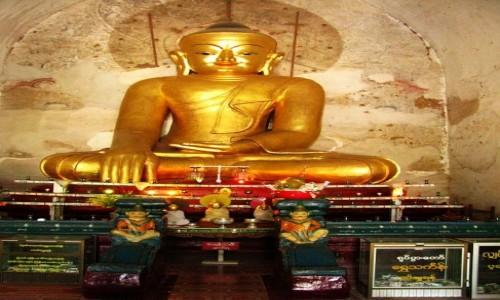Zdjecie MYANMAR / centralny Myanmar / Bagan / Gawdawpalin  Pahto - posąg Buddy