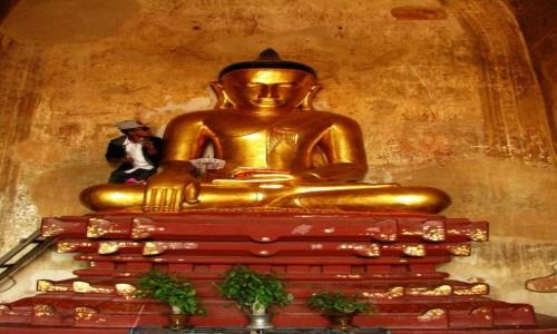 Zdjecie MYANMAR / centralny Myanmar / Bagan / Sulamani Pahto - posąg Buddy