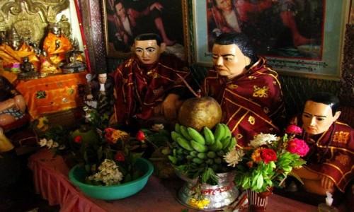 Zdjecie MYANMAR / okolice Baganu / Mt. Popa / klasztor - cela przeora