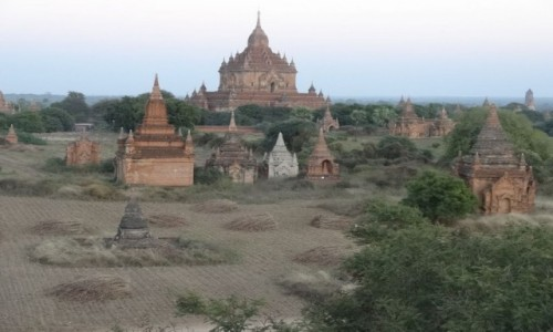 Zdjecie MYANMAR / Mandalay / Bagan / w krainie tysięcy świątyń