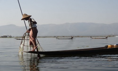 Zdjecie MYANMAR / Shan / jez. Inle / połów na Inle