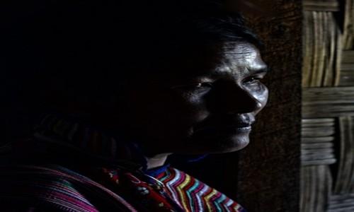 Zdjecie MYANMAR / stan Kaja / wioska Kayin / Pani (z grupy etnicznej Kayin)