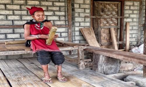 Zdjecie MYANMAR / stan Kaja / w pobliżu wiosek Ka Yah / Ka Yah ze sznurkami zamiast obrączki - zdjęcie poglądowe ;)