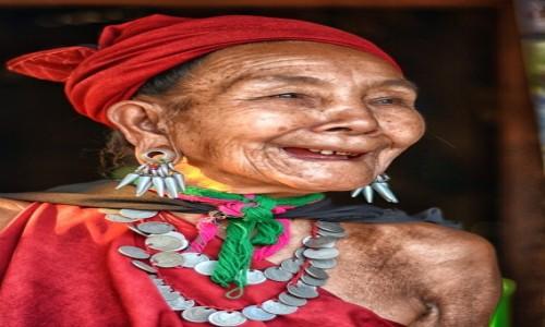 Zdjecie MYANMAR / Shan State / Kaba-Aye / Ka Yah radosna