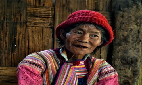 Zdjecie MYANMAR / Shan State / Kaba-Aye / Rozważna i romantyczna :)