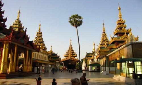 Zdjęcie MYANMAR / Yangon / Schwedagon Paya / wejście północne